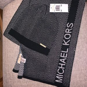 🖤 Michael Kors 🖤 Scarf & knit cap/beanie, NWT❣️
